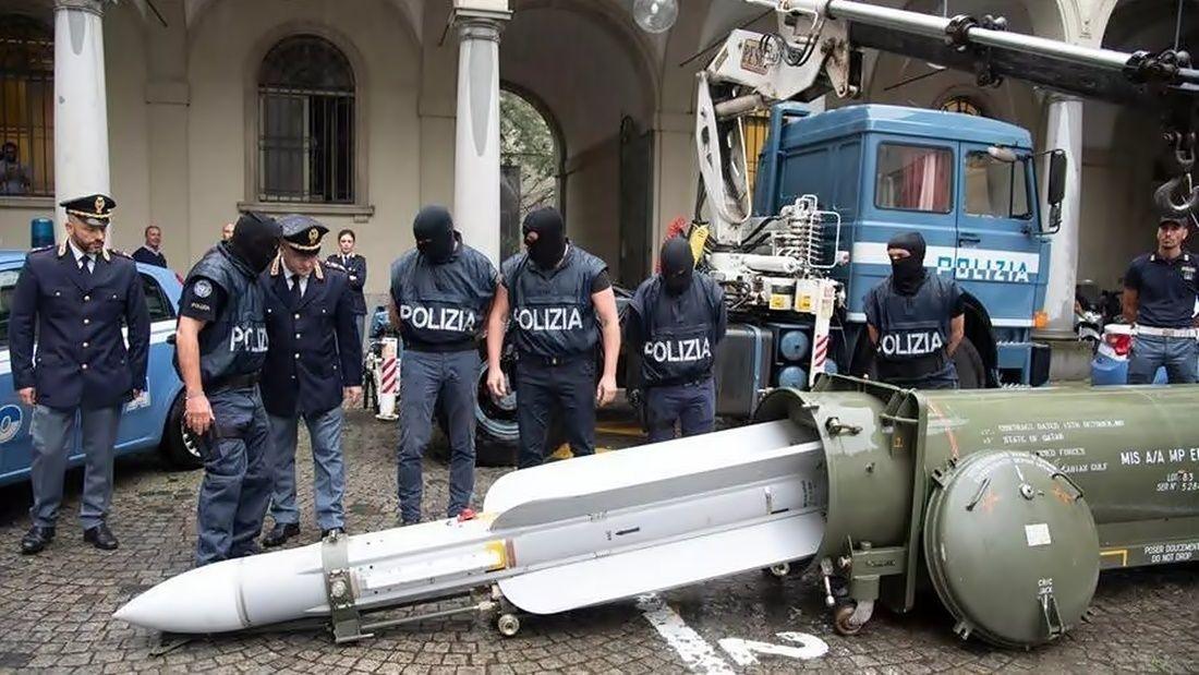 La Policía italiana le incautó un misil a la barra de Juventus