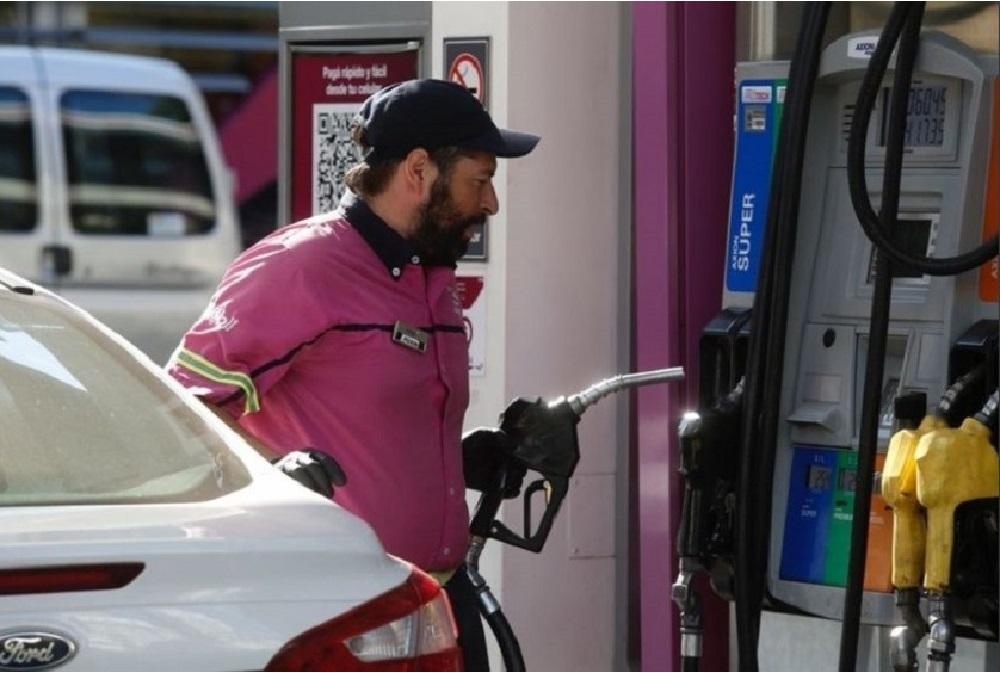 Tras las subas, Axion anuncia una baja del 2,6% en sus naftas desde este jueves