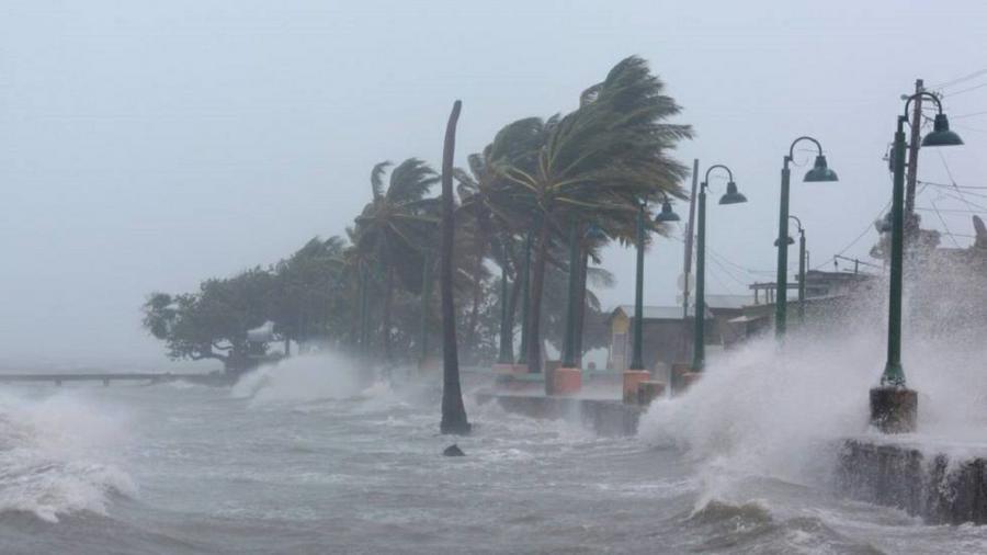 Resultado de imagen para El huracán Irma ya dejó doce muertos, arrasó con el Caribe y se acerca a Miami