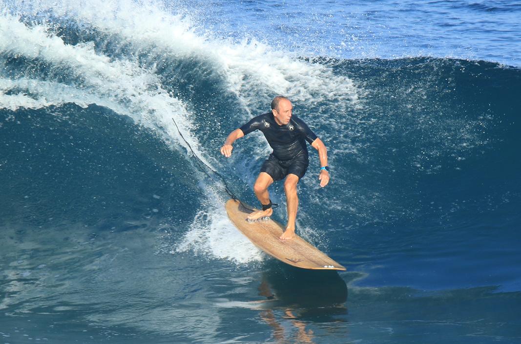 Argentino que cambió el surf fue inmortalizado en el Paseo de la Fama