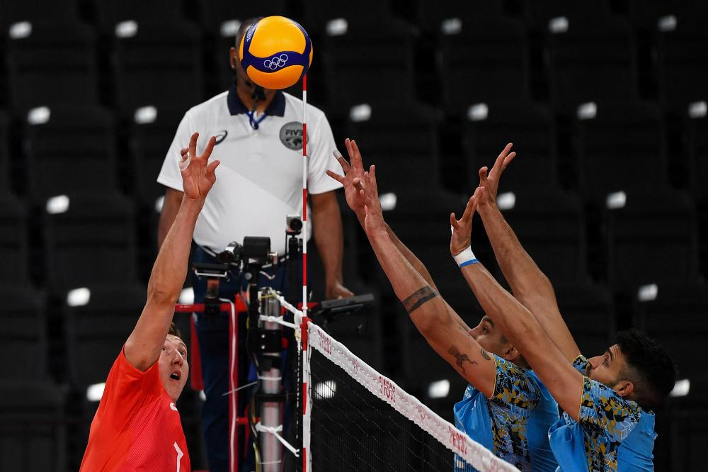 La selección masculina de vóleibol cayó 3-1 en el debut ante Rusia