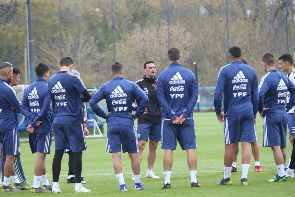 Con miras a la Copa América, Scaloni ya reúne a parte del equipo