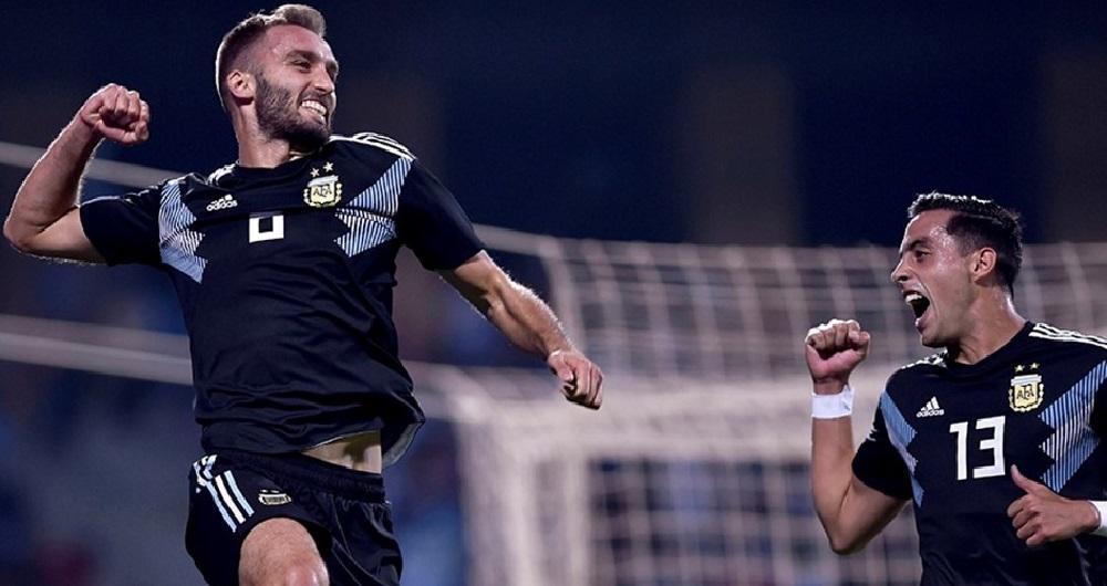 Argentina espera a Pezzella de cara al debut en la Copa