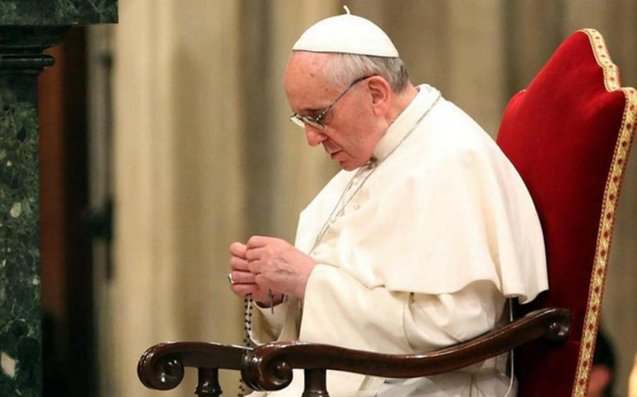 """Francisco pidió a sacerdotes """"dar la cara"""" por abusos en la Iglesia"""