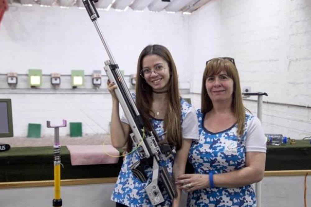Maria Laura y su asistente-mama