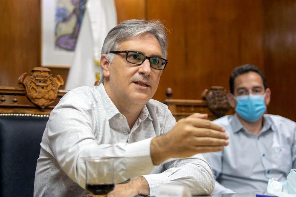 Llaryora © prensa