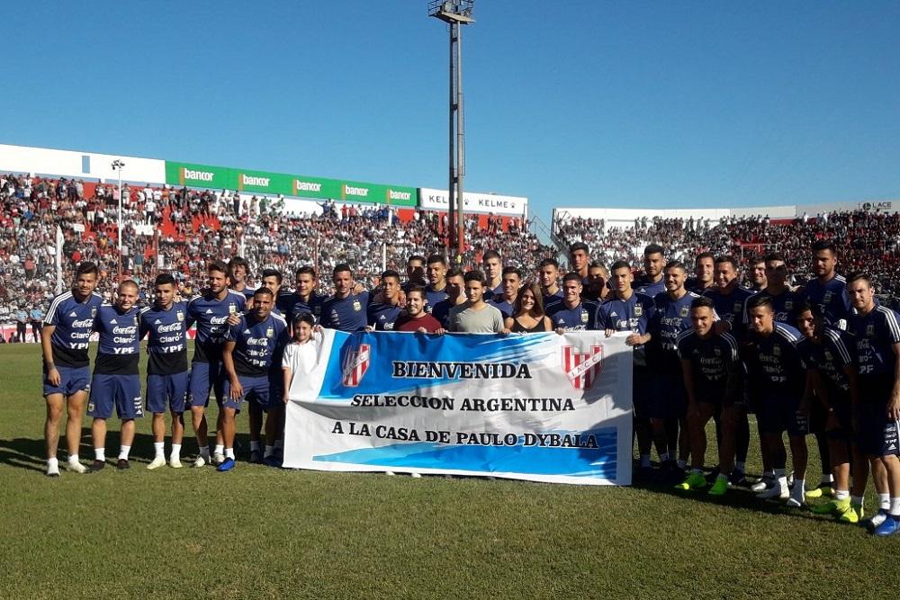 Una multitud vio el entrenamiento de Argentina en Alta Córdoba