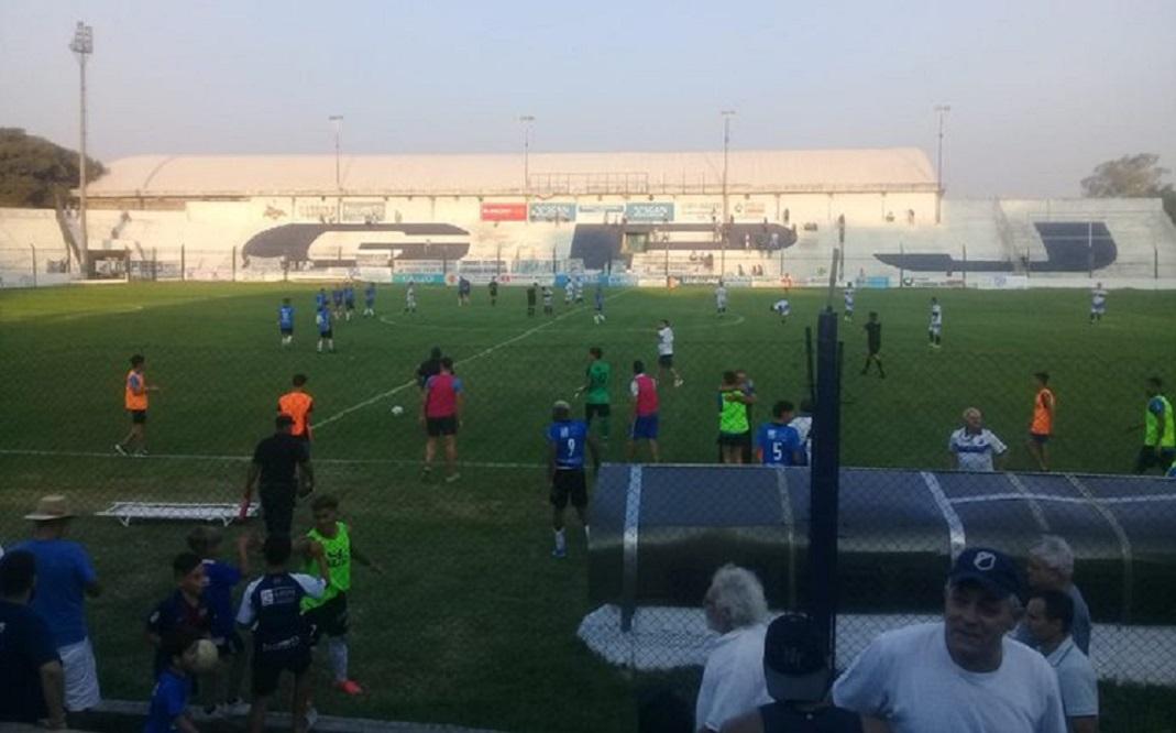 Regional: Racing de Nueva Italia, Peñarol y General Paz Juniors, adelante