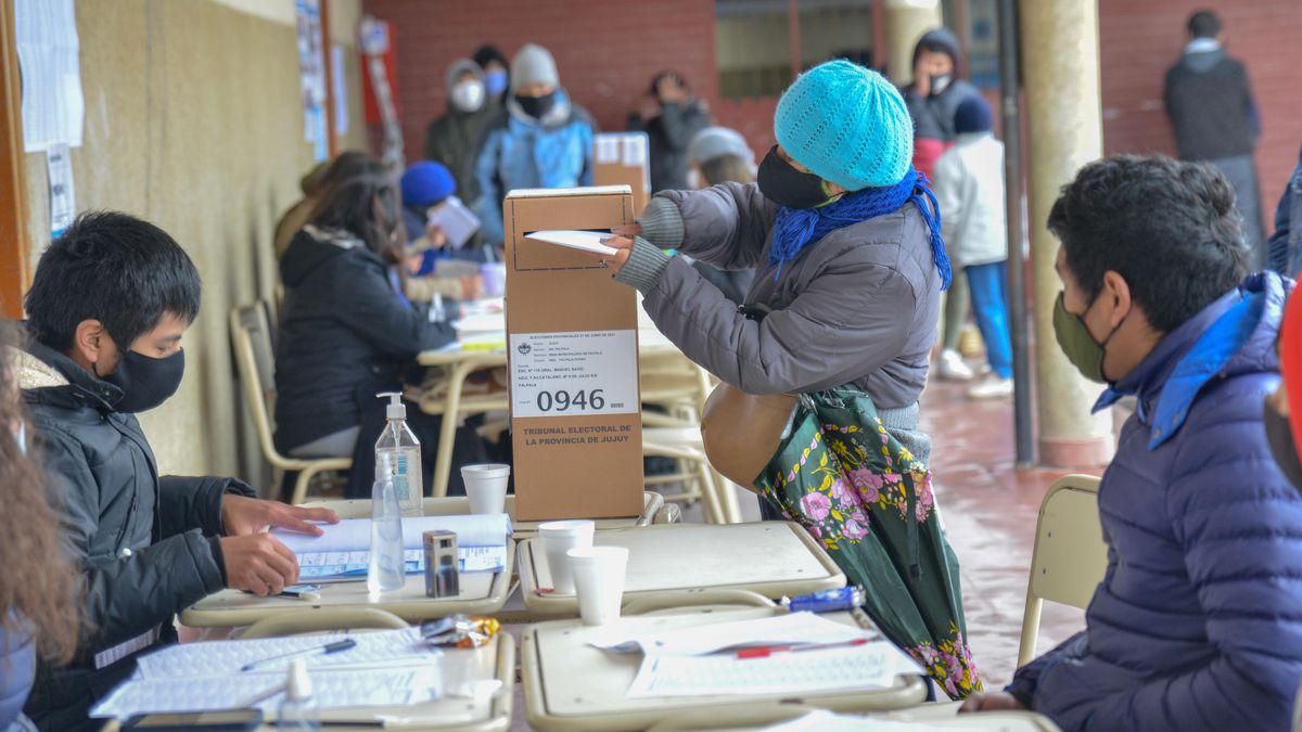 Elecciones PASO: ¿Cómo será el protocolo para personas con Covid o en  aislamiento?