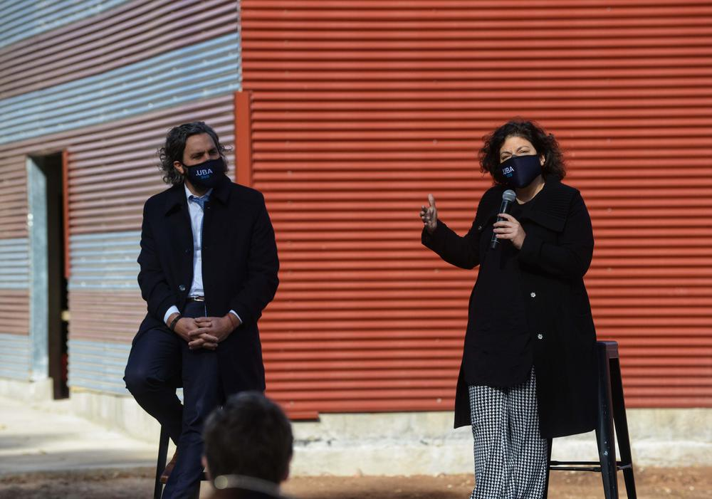 Carla Vizzotti y Santiago Cafiero en acto 11 06 2021
