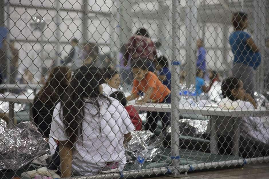 Tras las presiones, Trump da marcha atrás con la separación de familias inmigrantes