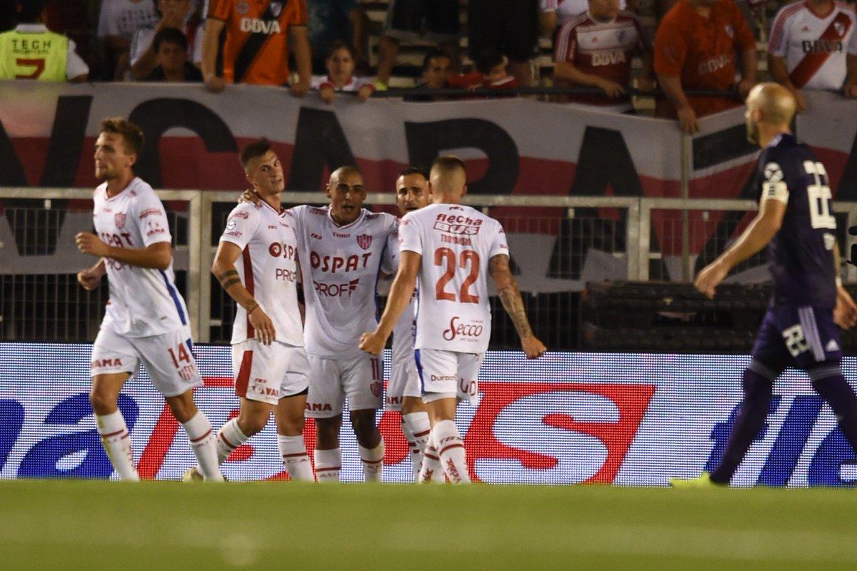 Unión le ganó a River en el postergado de la duodécima fecha de la Superliga