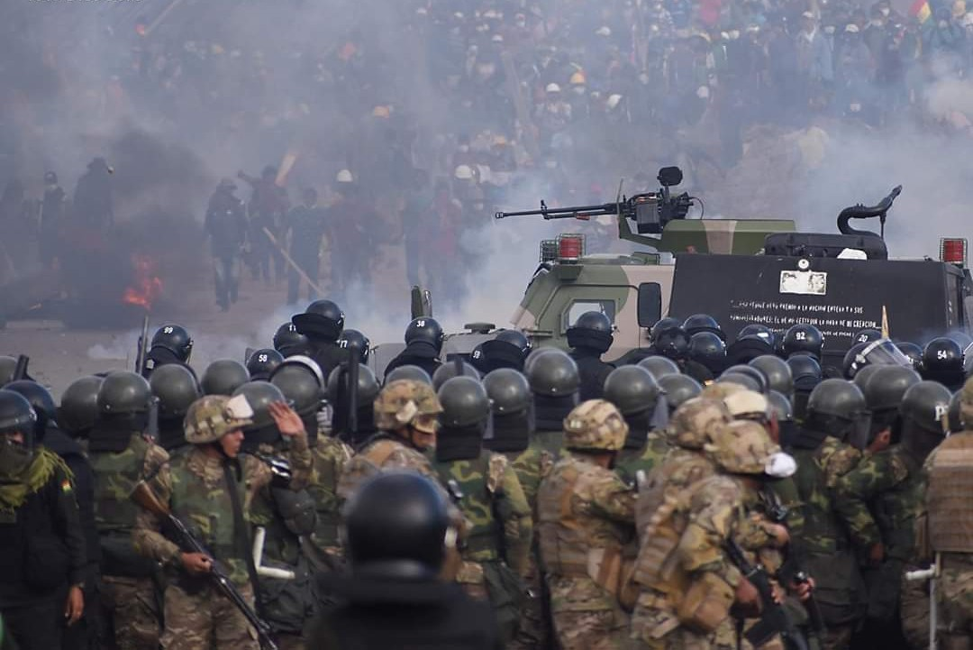 Bolivia: piden impugnar el decreto que exime a las FFAA de responsabilidad penal