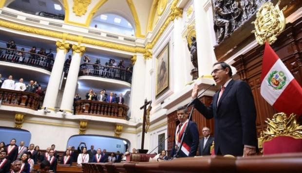 Perú: el presidente advirtió que podría disolver el Congreso