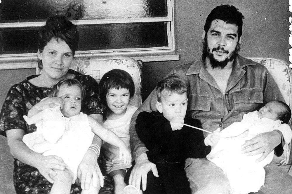 Aleida Guevara March En El Nombre Del Padre De La Madre Y De La