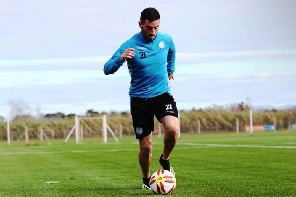 Sebastián Luna otra vez se hace un lugar de titular en Belgrano