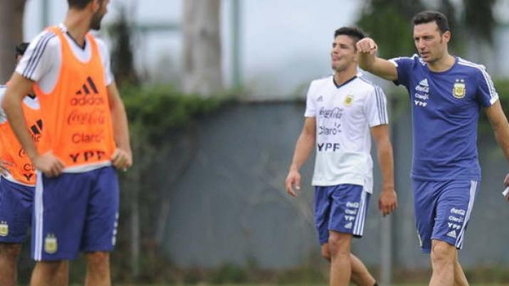 El presidente de AFA oficializó a Scaloni al frente de la Selección argentina