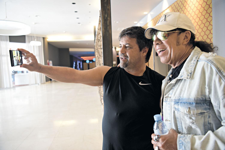 """Caruso Lombardi y """"La Mona"""" Jiménez se encontraron en Tucumán"""
