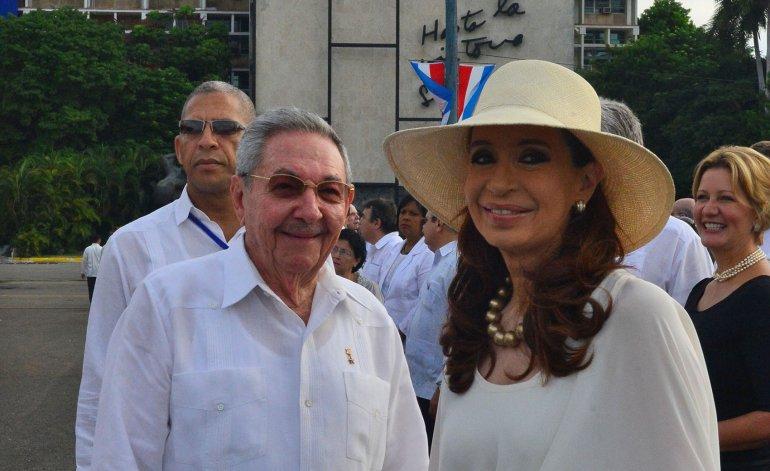 Cristina Fernández mantuvo un encuentro con Raúl Castro en Cuba