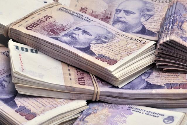 Según una empresa de finanzas, el peso puede profundizar su depreciación