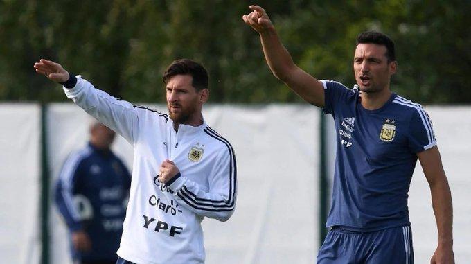Scaloni prepara la lista de la Selección en noviembre, con Messi
