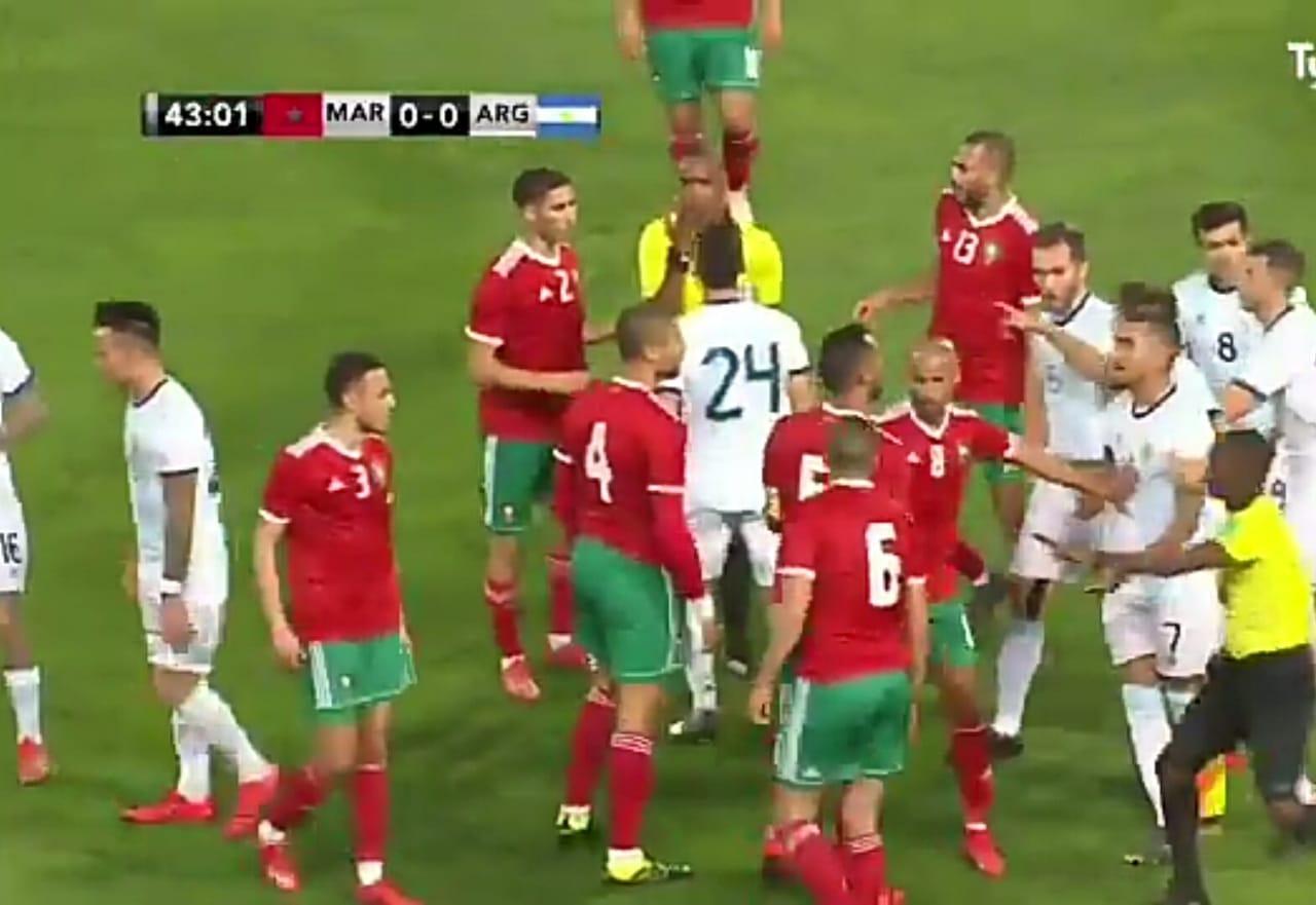 Argentina empata en un partido friccionado ante Marruecos