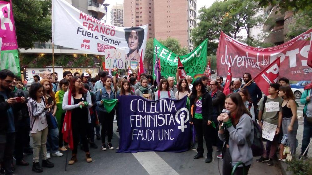 Fuerte rechazo a las políticas de Bolsonaro frente al Consulado de Brasil