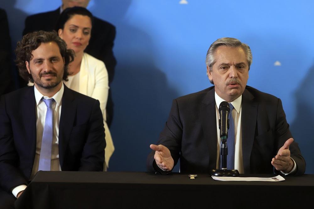 En Olivos, Fernández analizó la extensión de la cuarentena junto a ...