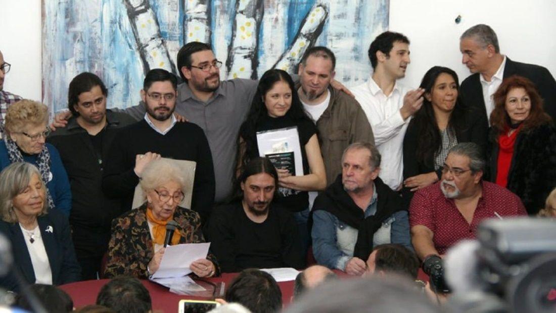 Abuelas nieto 130 conferencia by Abuelas Difusiónjpg