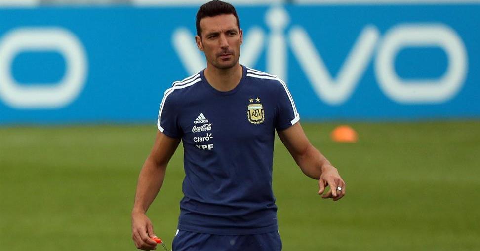 Scaloni pone tres delanteros contra Brasil