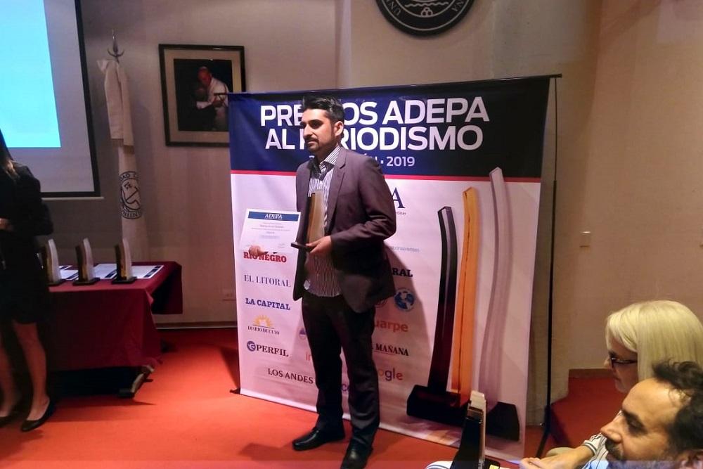 Adepa entregó a periodista de LNM el primer premio en categoría Deportes