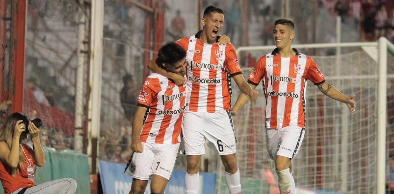 Instituto aprovechó el tropiezo de Villa Dálmine y llegó a la Copa Argentina