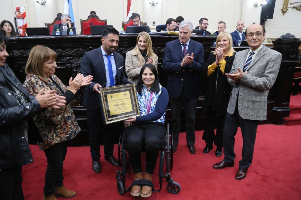 Homenaje a Verónica Balnco - Prensa Legislatura
