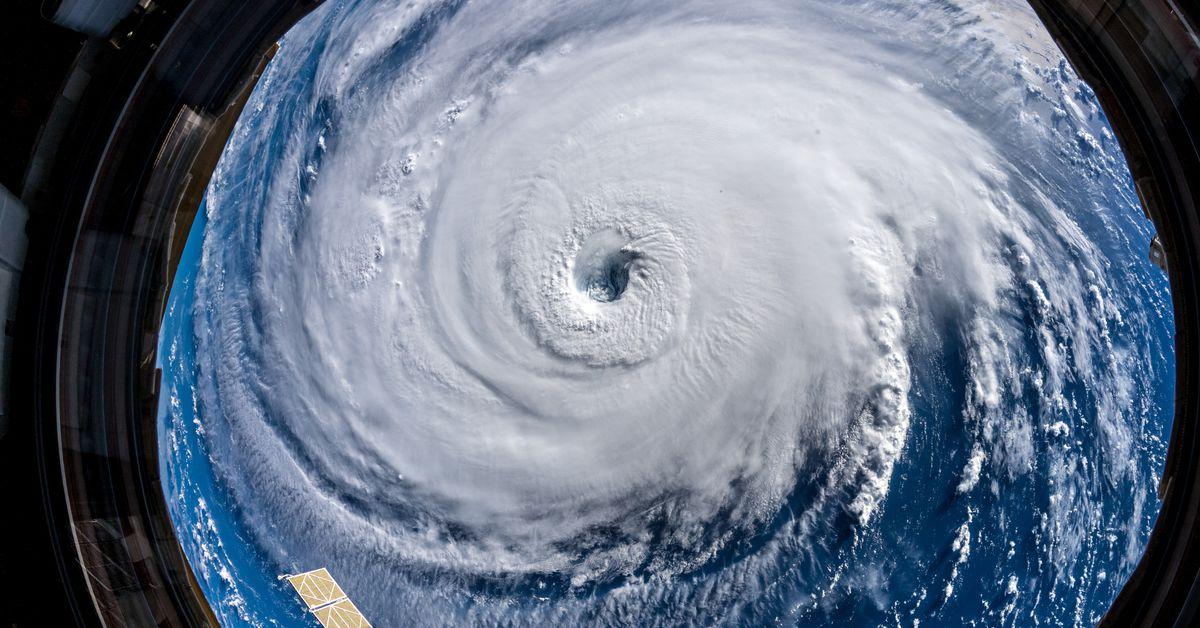 La costa sureste de EE.UU. se prepara para la embestida del huracán Florence