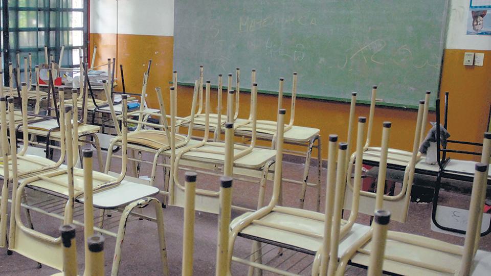 """La Caba ya tiene protocolo para abrir escuelas con """"espacios digitales"""""""