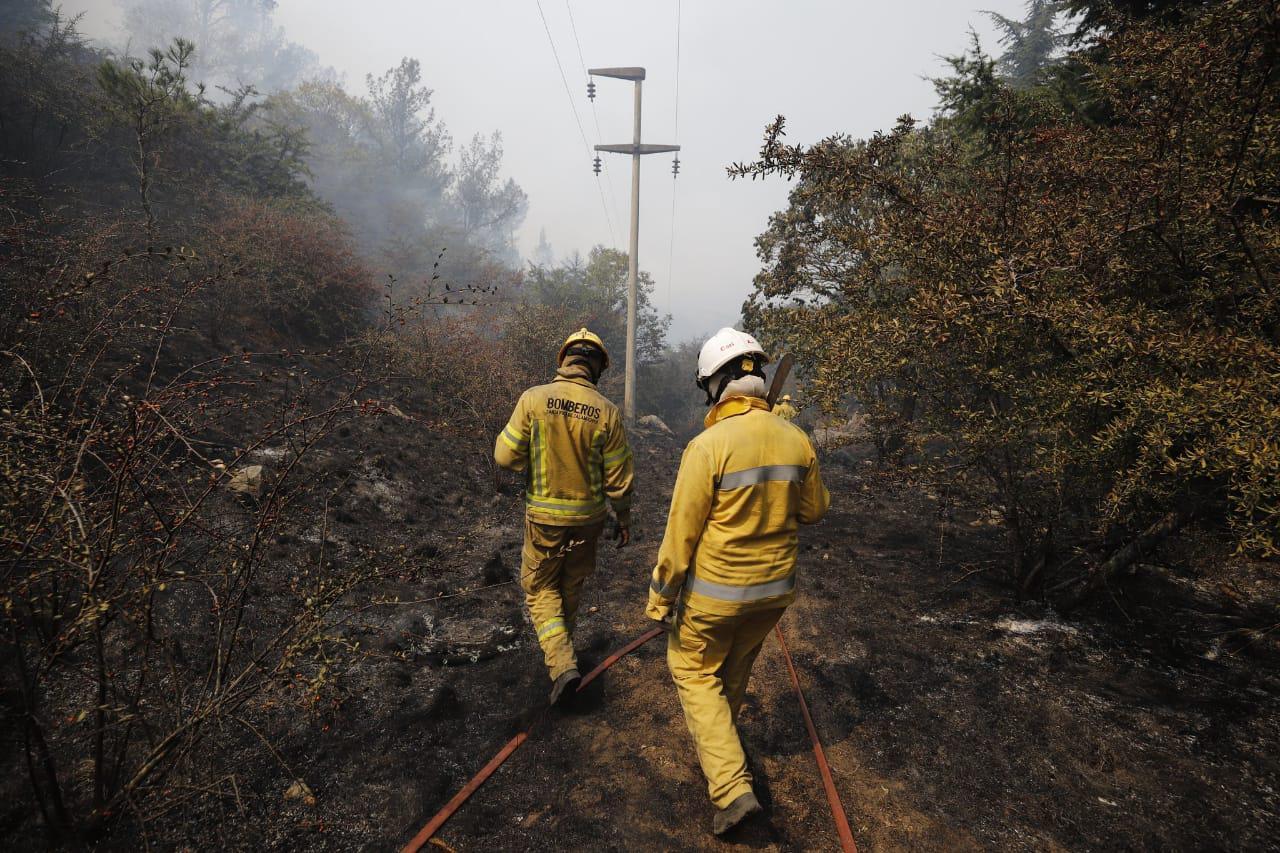 incendios en las sierras humo by @gobdecba