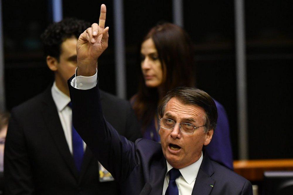 Por decreto, Bolsonaro recortó u$s 368 millones del presupuesto